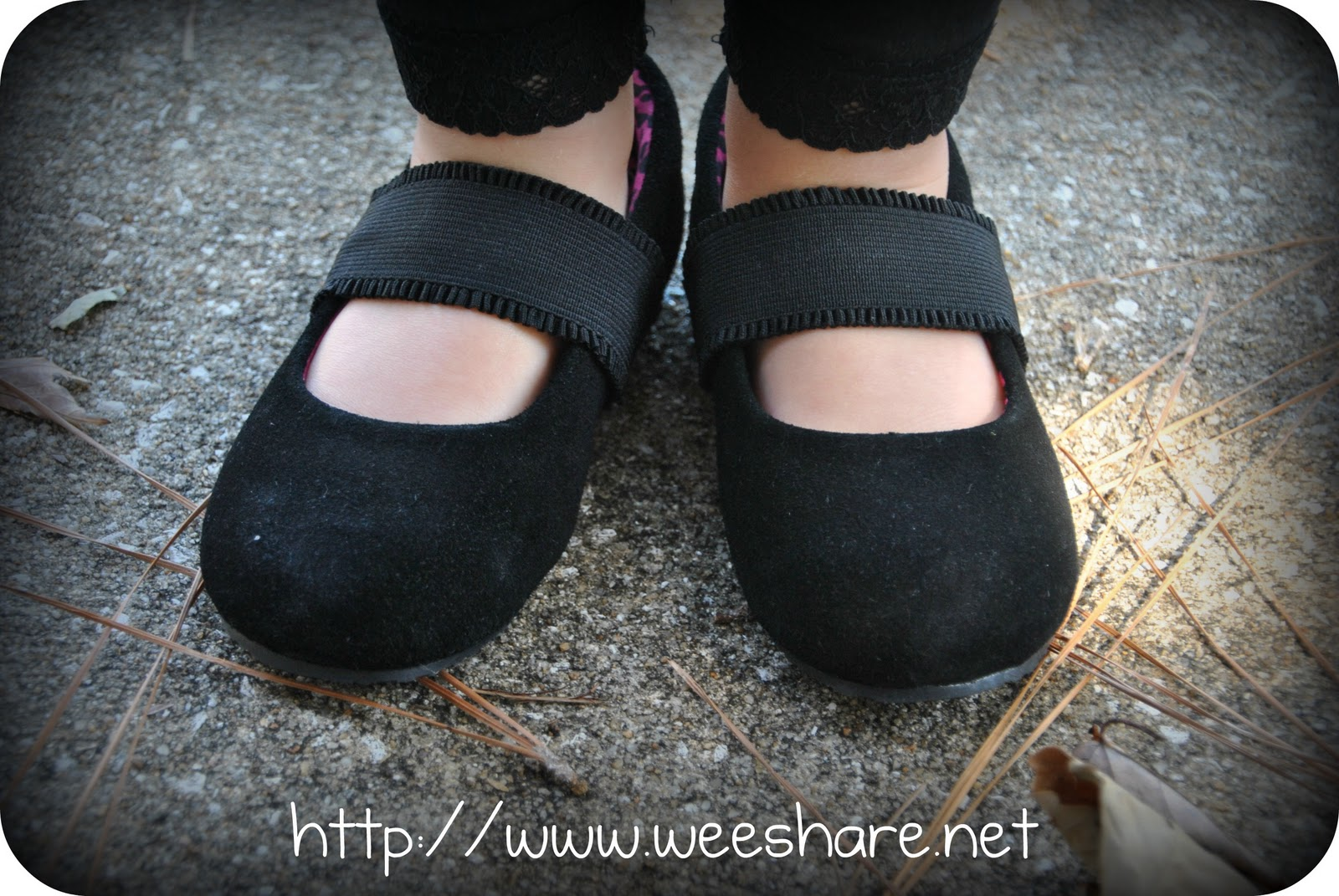 Me and My Feet Review + $50 Gift Certificate Giveaway | Wee Share