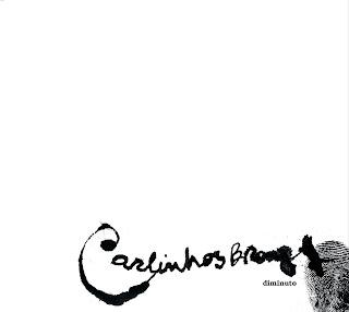 """Capa do disco """"Diminuto"""", lançado por Carlinhos Brown em 2010."""