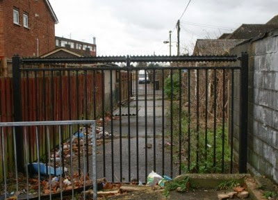 New Abingdon Landmark – Blocked Alleyway