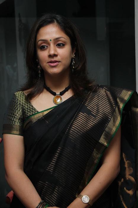 jyothika launches lakshmi sarees actress pics