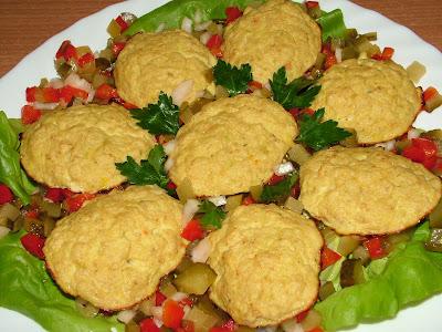 Pieczona rybka na kwaśnych warzywach