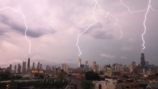 Chicago buildings, lightening