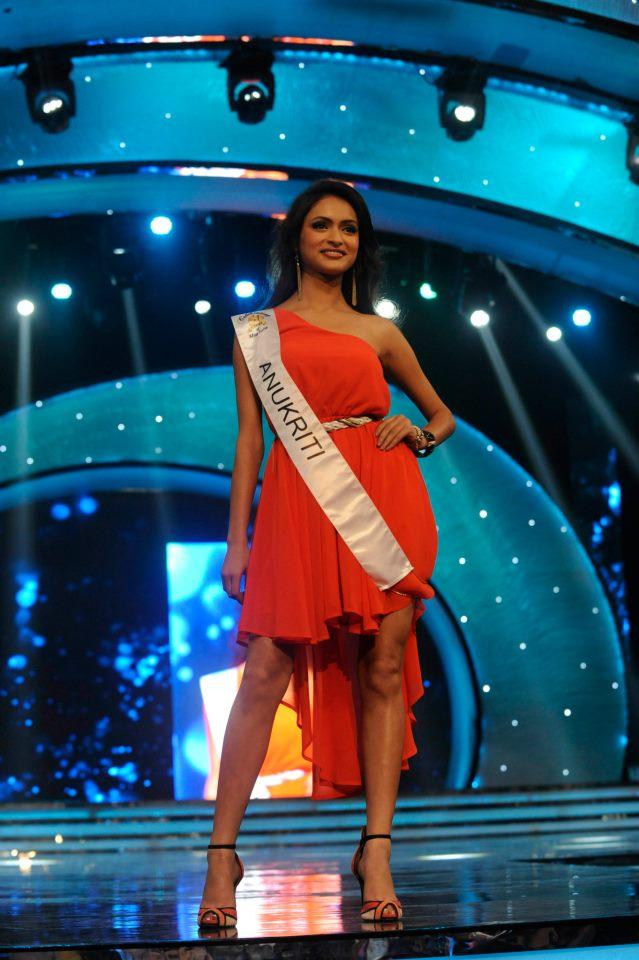 Anukriti Gusain, winner of Femina Miss Photogenic and Close Up Femina Miss Beautiful Smile 2013 Sub-Titles during the Ponds Femina Miss India 2013 beauty pageant held at Yash Raj Studios in Mumbai on March 24, 2013.