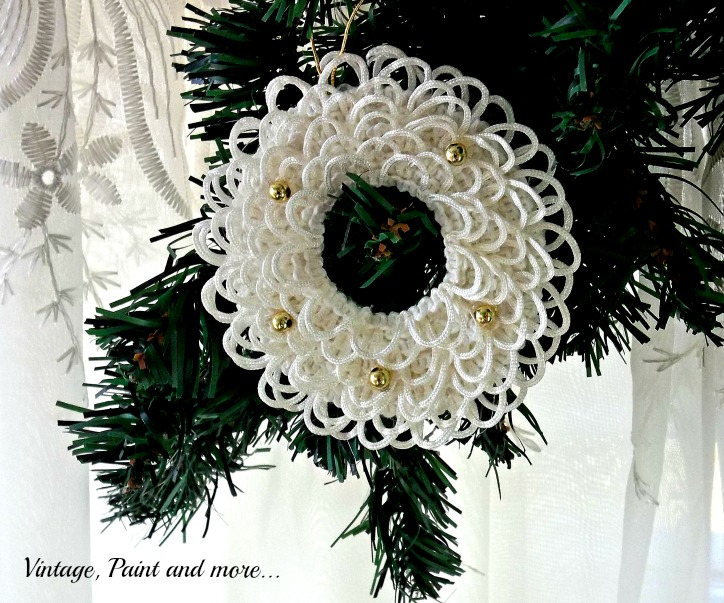 Vintage, Paint and more... making a wreath ornament using poster board, lace and beads