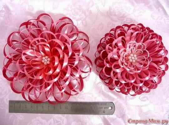 Цветы своими руками из тонких ленточек 31