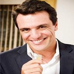 Rodrigo Lombardi ofende repórter do 'Vídeo Show' e faz colega de emissora chorar