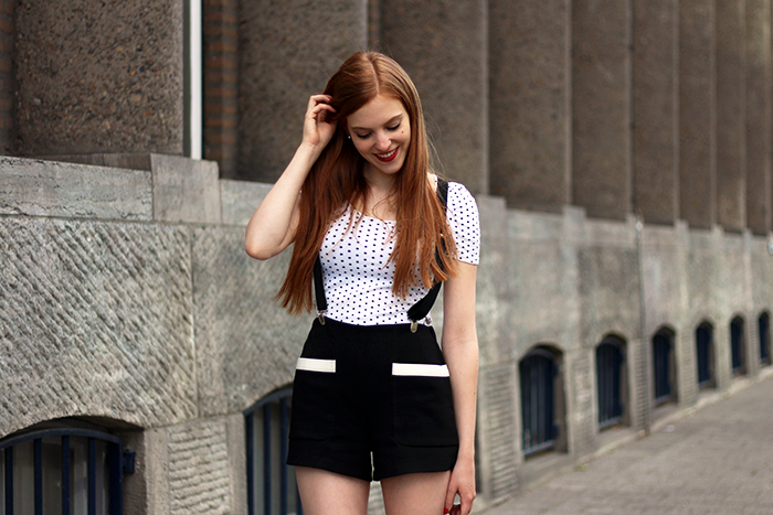 Geek Chique outfit with suspenders by Red Sonja Vintage Fashion Blog