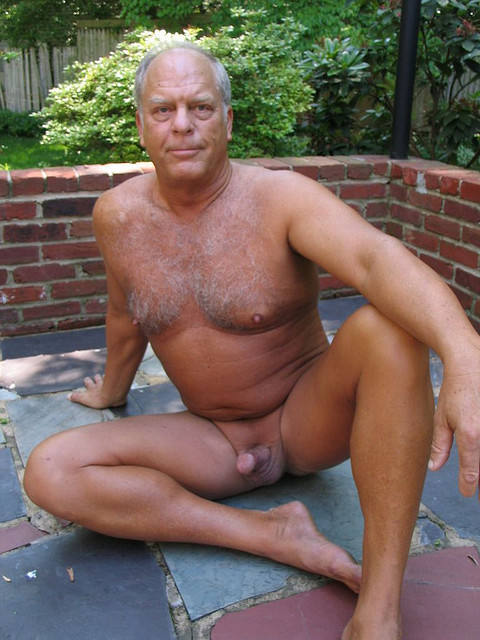 Pictures of naked senior citizens pic 806