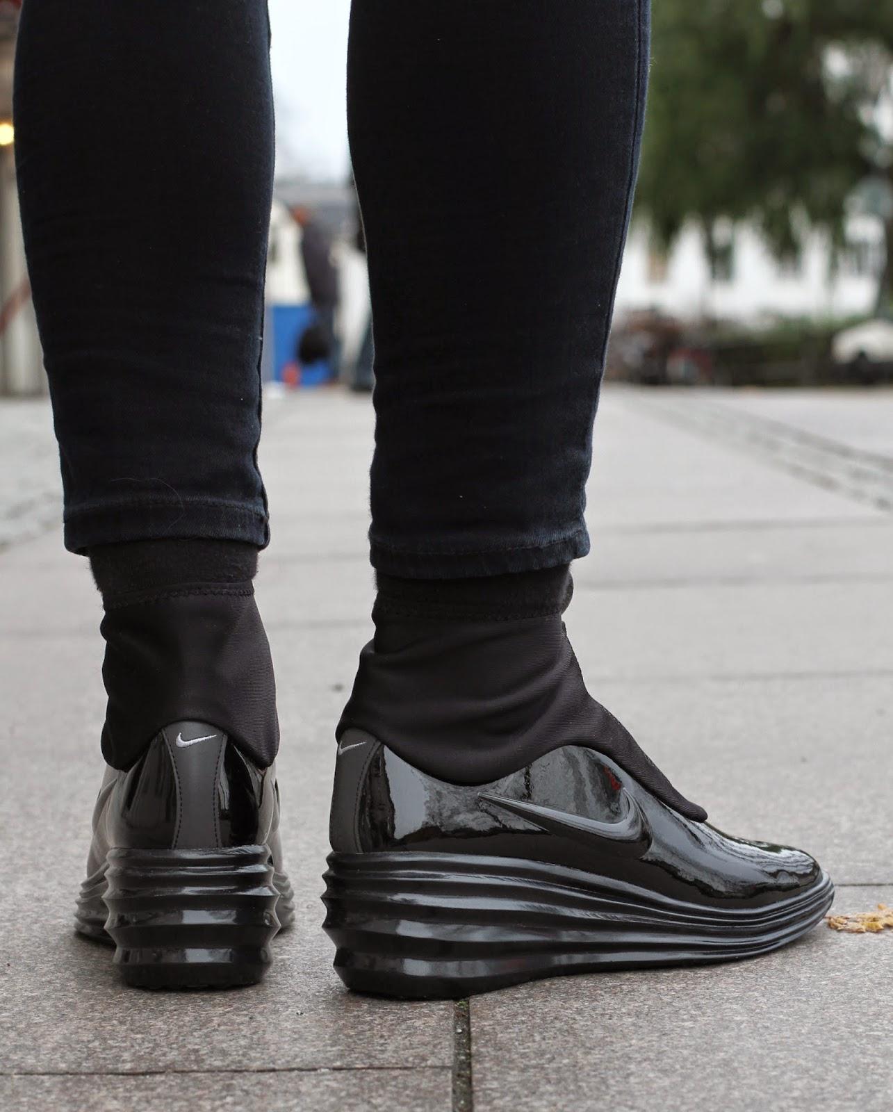 http://www.footish.se/sneakers/nike-wmns-lunarelite-sky-hi-sneakerboot