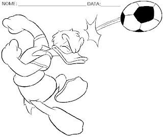 Educação Infantil - Desenhos para colorir Disney Pato Donald jogando futebol