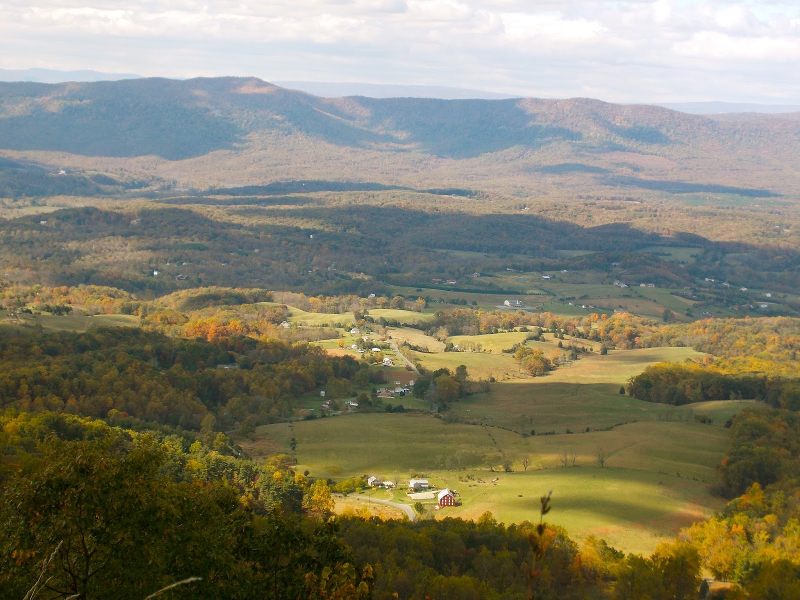 fall on skyline drive in shenandoah national park  virginia
