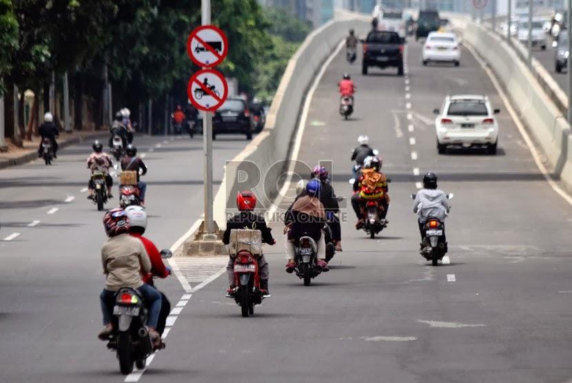 Modus KEJAHATAN BARU di Jalan Raya dengan Mencatat no Plat Motor dan Mengejar