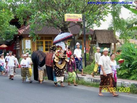Guia de Bali: Rituales, Arte, Danzas balinesas y Templos familiares