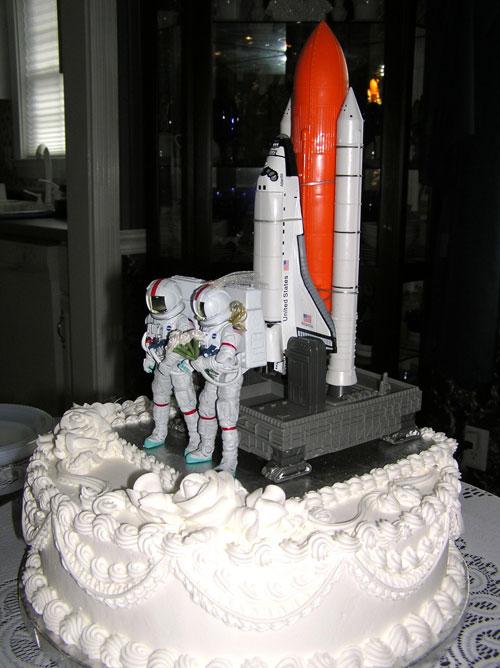 gambar kue pengantin unik