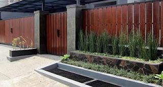 pagar rumah minimalis, desain pagar kayu rumah minimalis