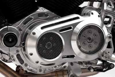 A belissima moto X132 Hellcat confederado