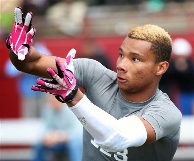 Alabama lands third class of 2016 prospect with commitment of athlete Demetris Robertson.