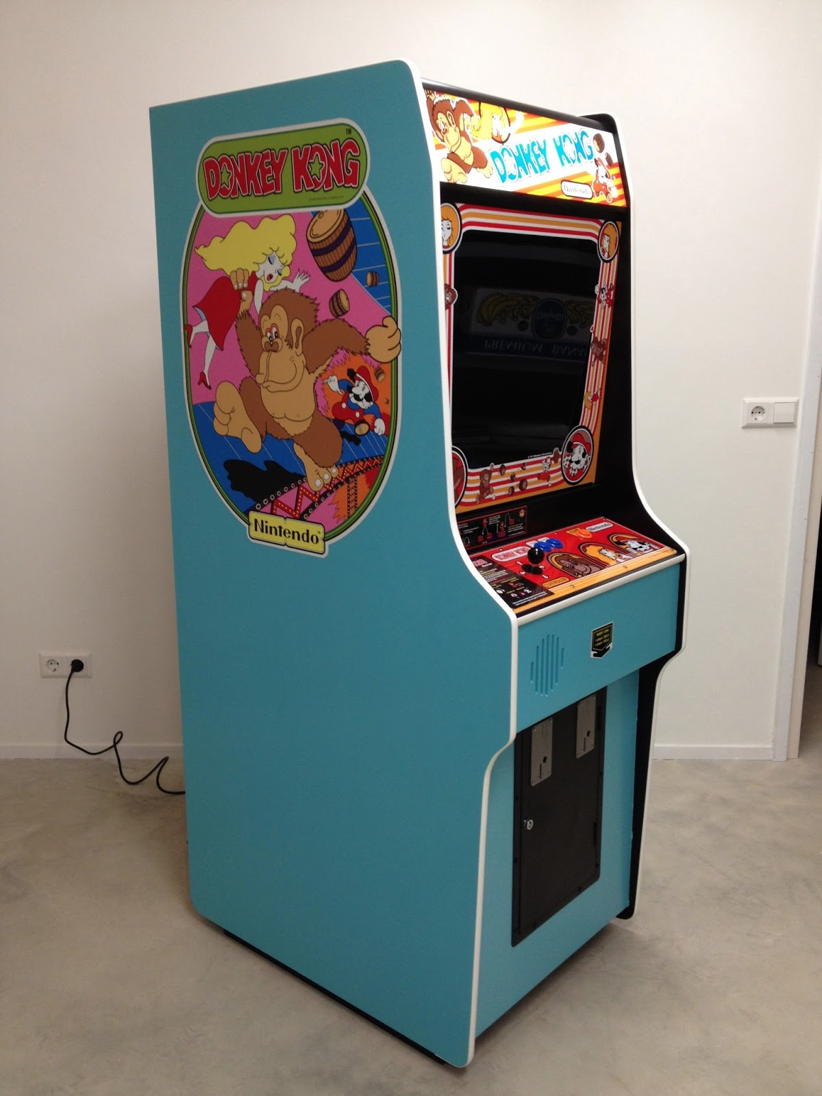 Building A Donkey Kong Arcade Cabinet!
