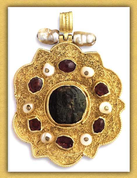 Βυζαντινό πολύλοβο εγκόλπιο της Ιεράς Μονής Βατοπαιδίου Αγίου Όρους