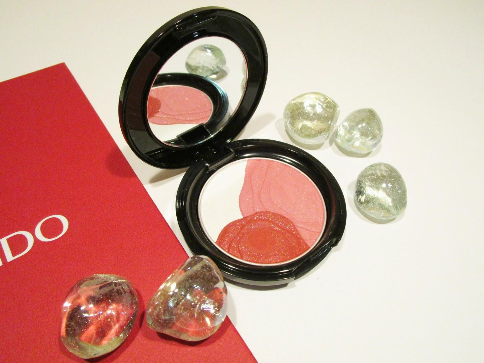 Camellia Compact de Shiseido