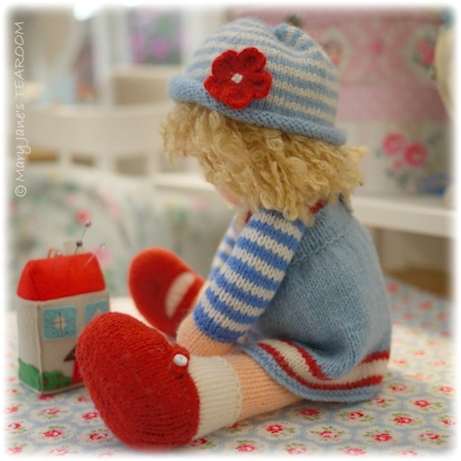 Knitting Pattern For A Dolls Hat : Mary Janes TEAROOM: Dolls, hats and flowers.....