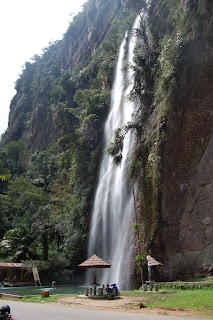 waterfall lembah harau