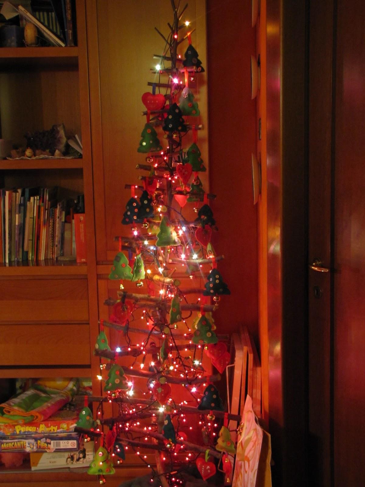 Giocabosco creare con gnomi e fate albero con - Decorazioni albero natale ...
