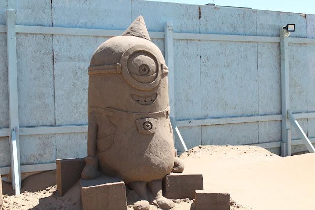 minion sand sculpture at weston sand festival 2015