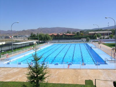 La natacion medidas de la piscina for Medidas de piscinas de obra
