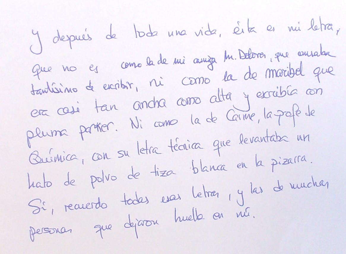 de sus manos una letra  Letras Bonitas A Mano