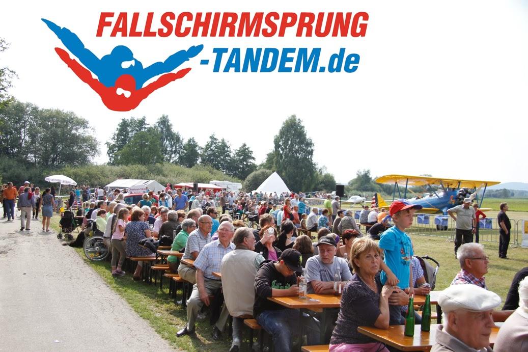 Fallschirmspringen Tandemsprung Fallschirmsprung Geschenk ...