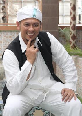Gambar Iwan Syahman Raja Dangdut Jadi Alim