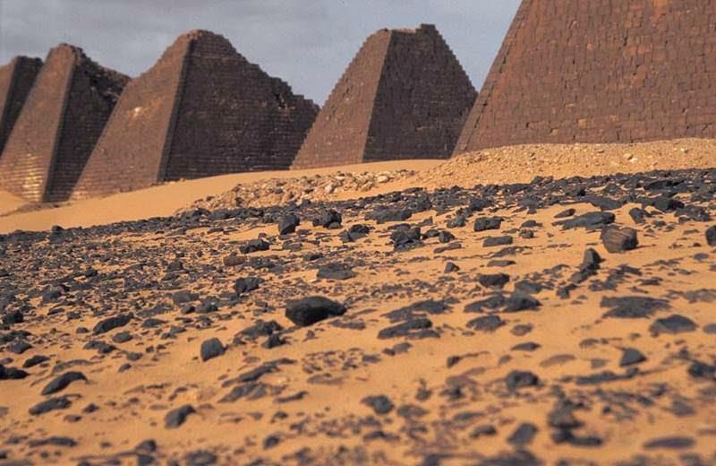 Nubian Pyramids Sudan 800x520