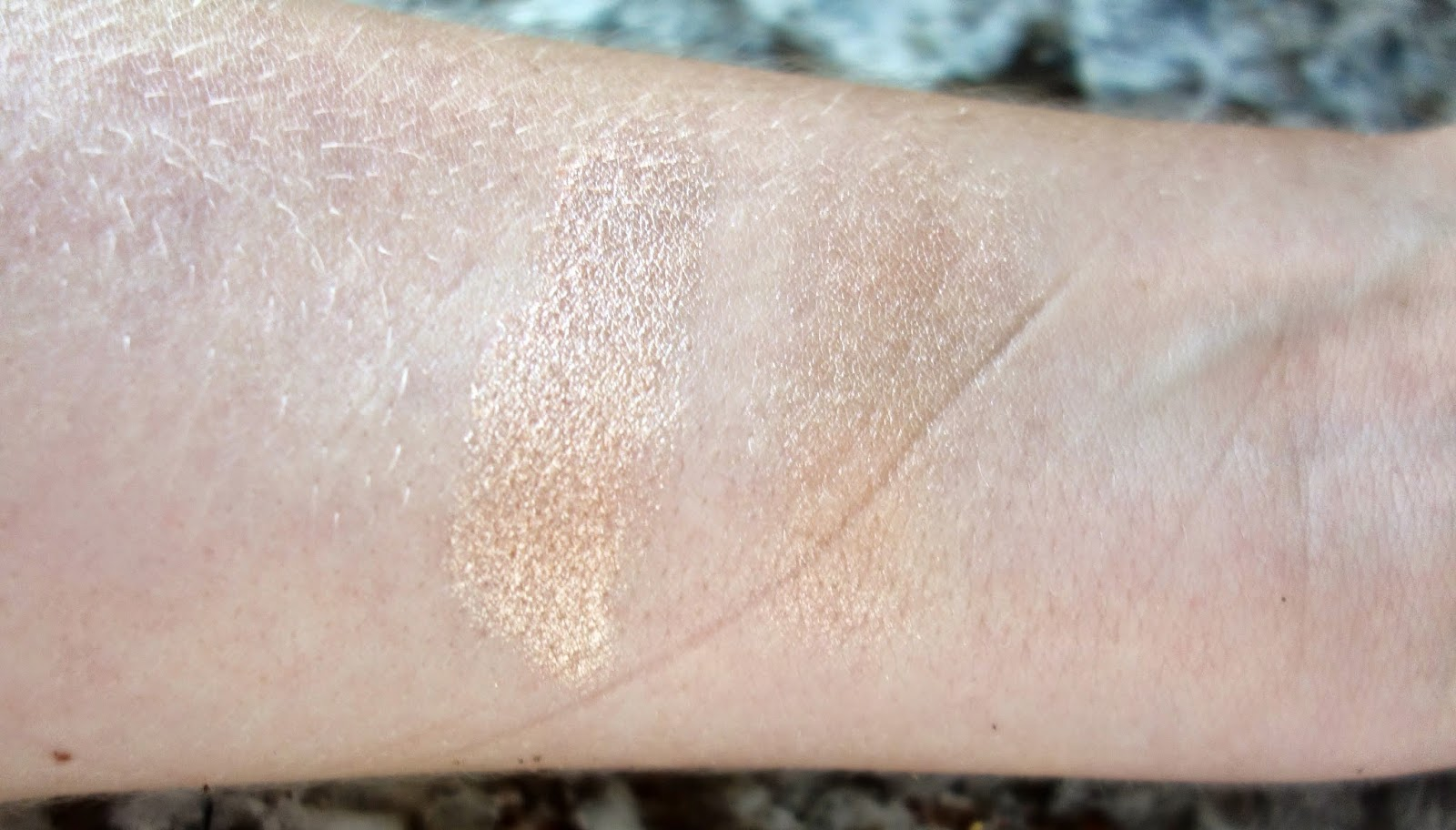 Stila Kitten eyeshadow swatch