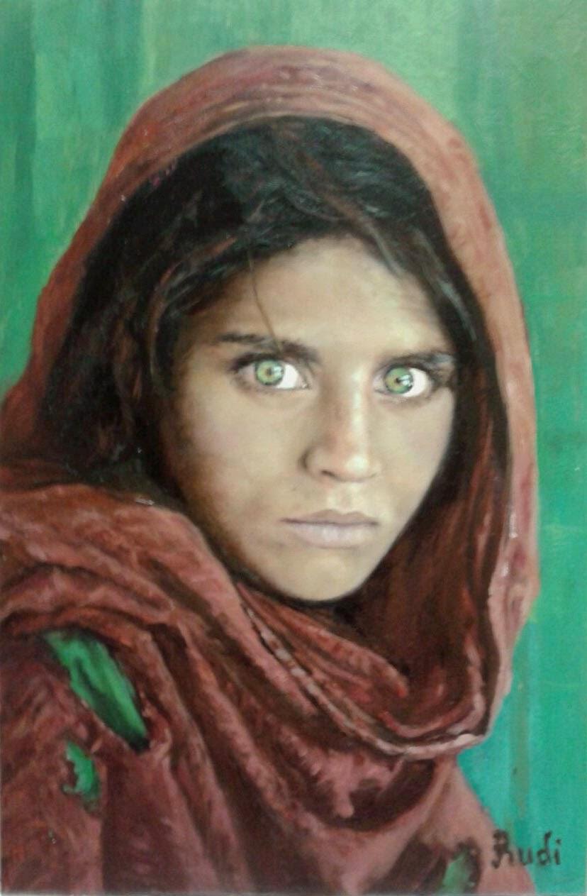 Sharbat Gula Retrato al óleo niña afgana national geographic pintora Rudi