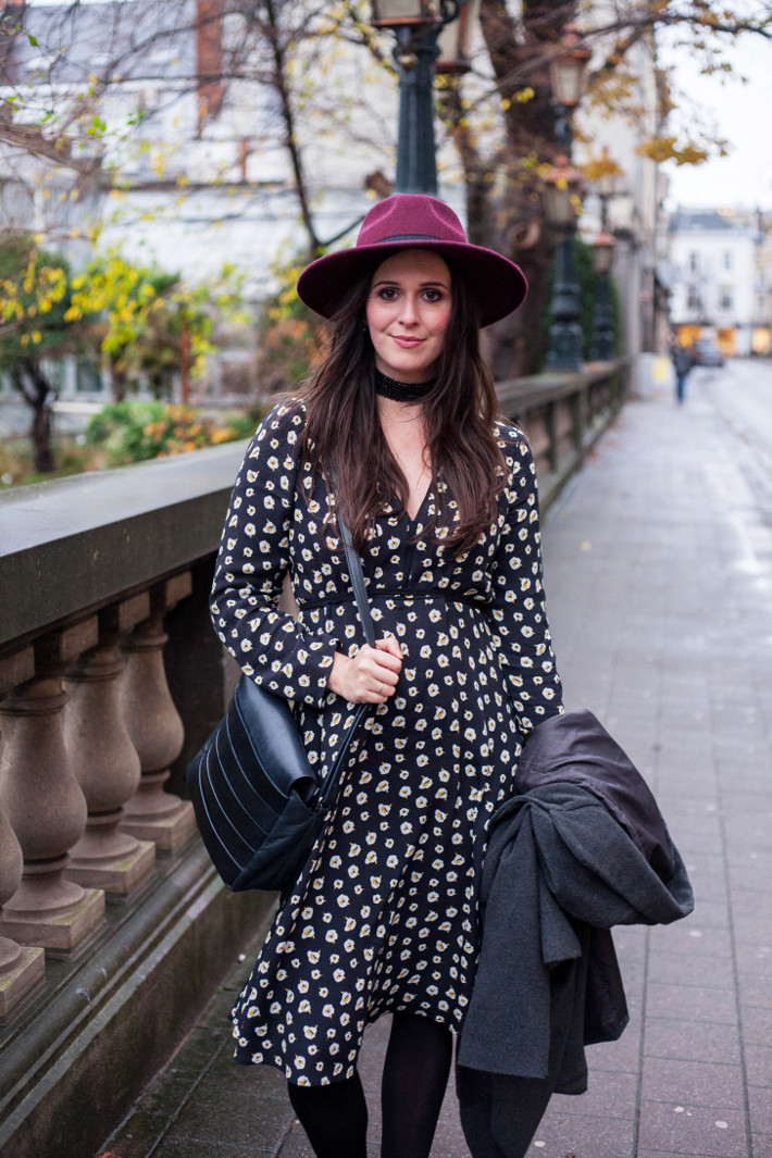 Outfit: bohémienne in floral midi dress and hat