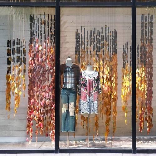 Ac primavera all oto o anthro windows vero palazzo for Decoracion de vidrieras de ropa