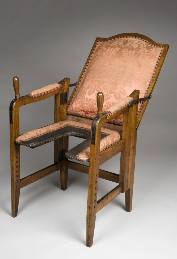 European Parturition Chairs from 1501 to 1800 in Photos