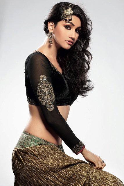 , Sexy Model Anjali Lavania Hot Pics
