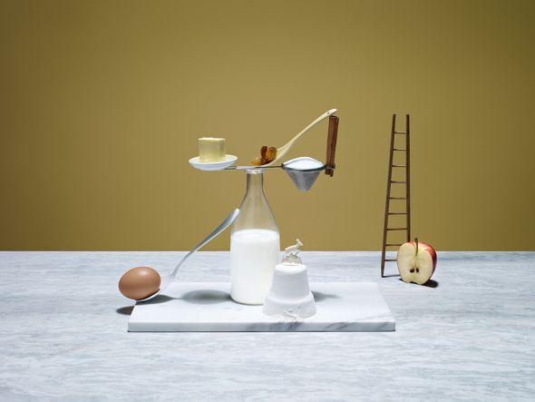 Karsten Wegener fotografia Elena Mora set designer comida equilibrio balança Bolo de maçã