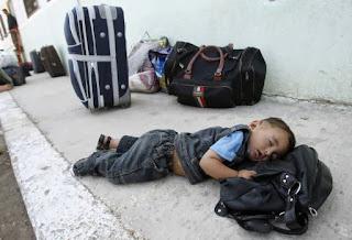 Bayi Palestina di perlintasan Rafah (foto arsip WorldBulletin)