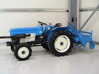 трактори MITSUBISHI ST2040