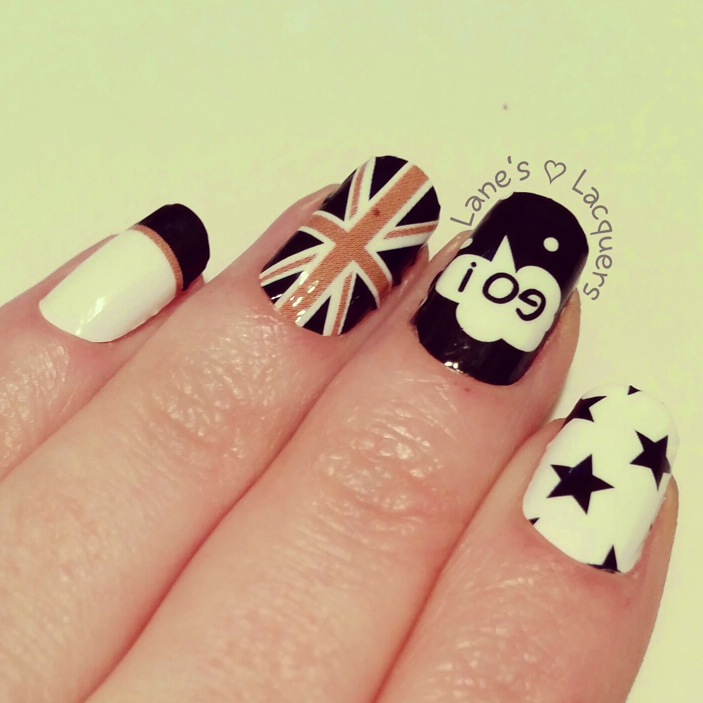 omg-nail-strips-monochrome-british-nail-art (2)