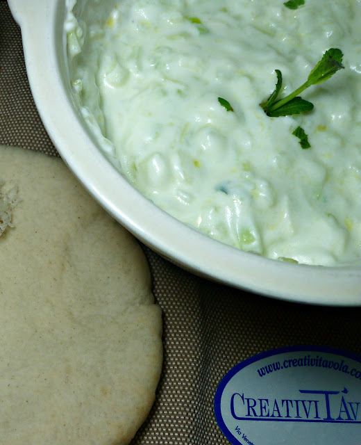 viaggiar,e con la mente nella cucina greca: tzatziki