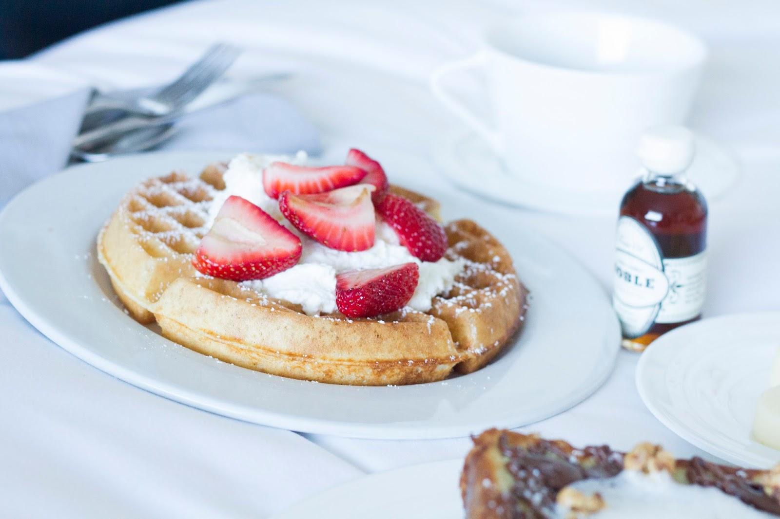 sls hotel las vegas room service breakfast