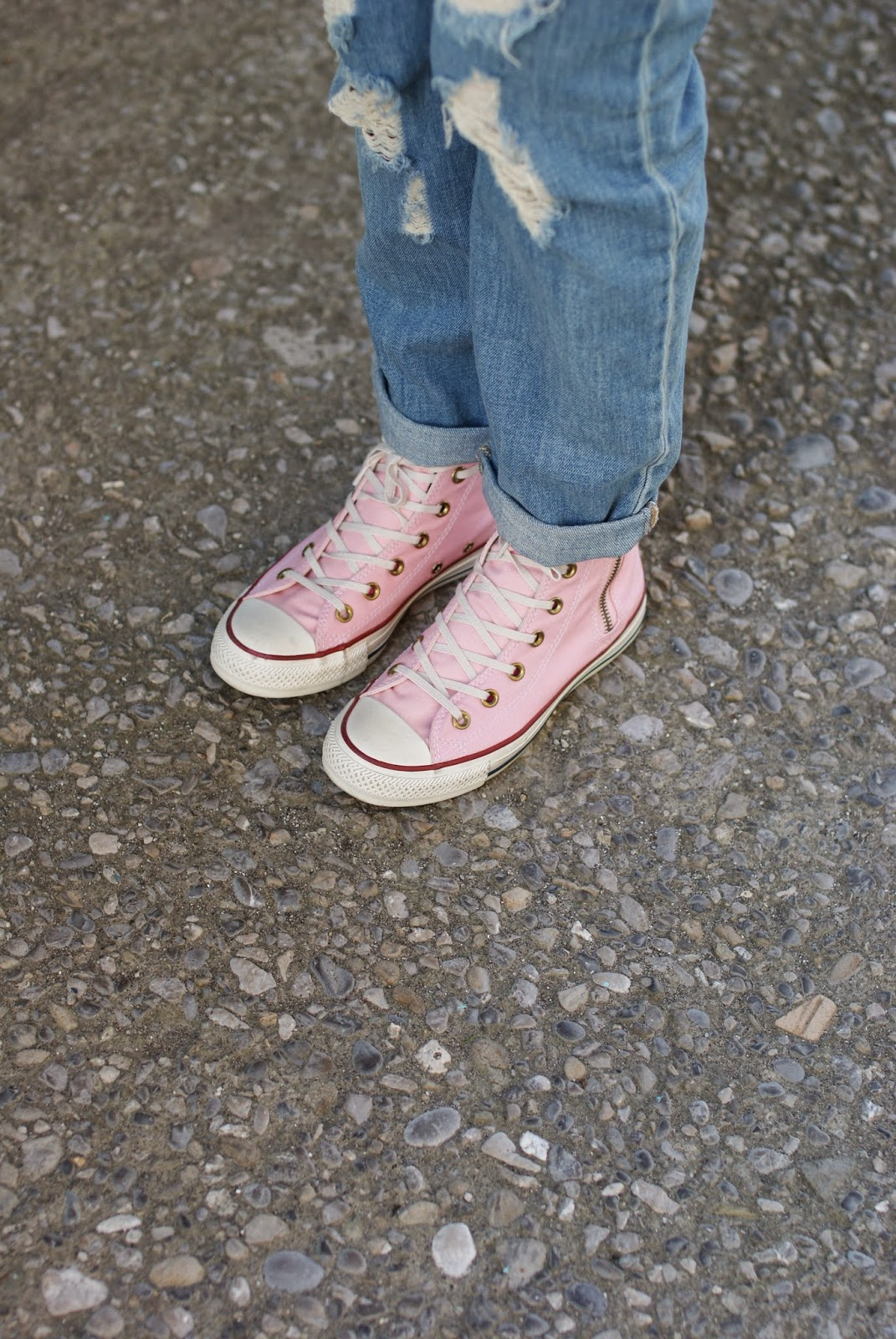 pink converse sneakers, Fashion and Cookies, fashion blogger