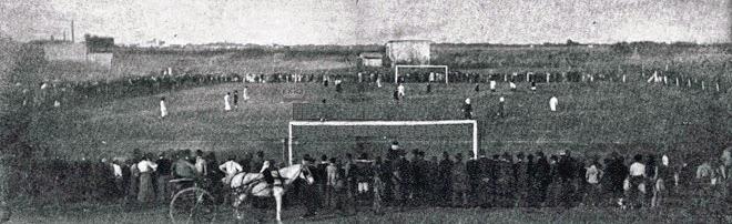 Acá se disputó el primer duelo en la historia del clásico de Avellaneda. FOTO: viejosestadios.blogspot.com.ar