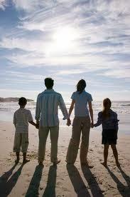 Χτίσε τη θετική του εικόνα βήμα-βήμα! goneis paidia γονεις παιδια γονείς παιδιά