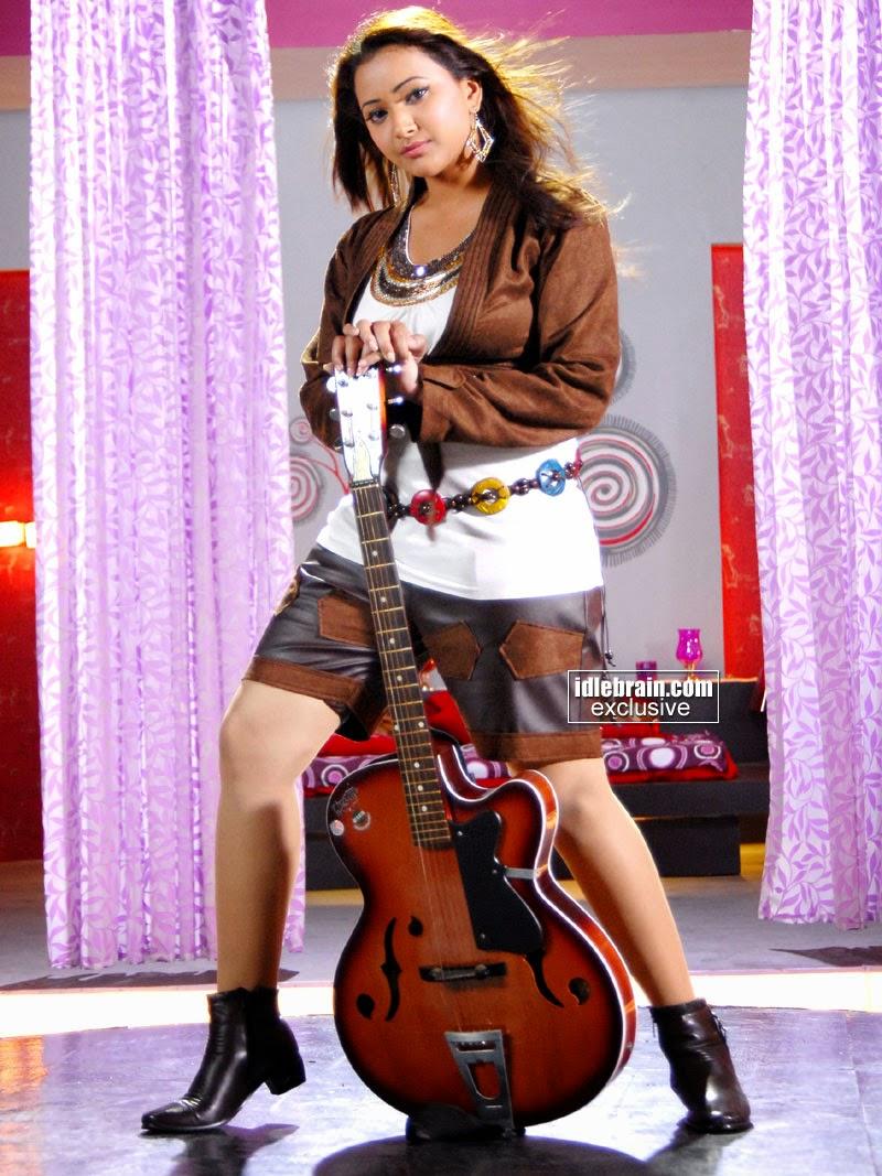 indian actress shorts