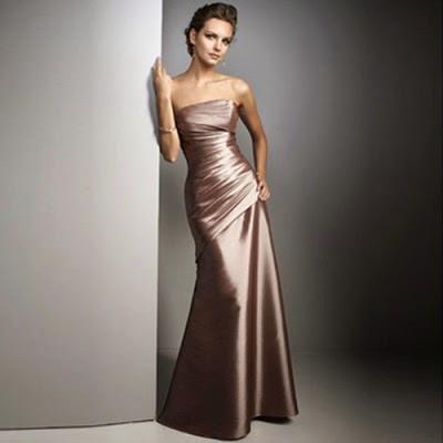 vestido liso em cetim para madrinha de 15 anos - fotos e modelos